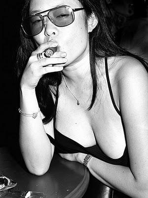 Cigar_girl_0396
